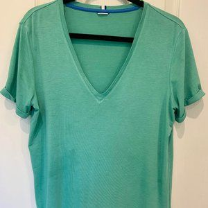 Kit and Ace V- Neck Tee - Size Medium